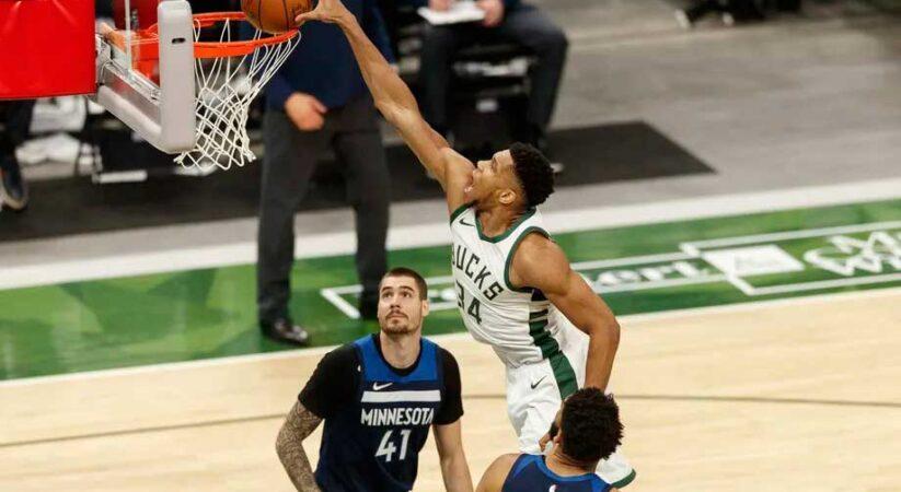 Milwaukee Bucks vs. Minnesota Timberwolves Live Stream Preview: Basketball Up Nort