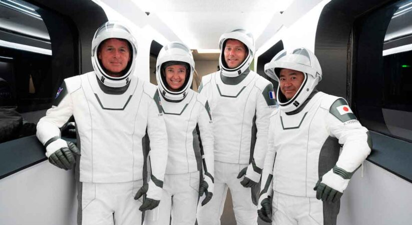 Dragon crew rehearses for launch day, first-look weather forecast looks good