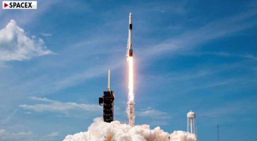 SpaceX, NASA delay astronauts' return to Earth until Sunday